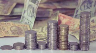 ડોલર સામે રૂપિયો તળિયે, એશિયન ચલણમાં સૌથી વધુ રકાસ