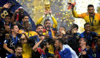 PHOTOs: ફૂટબોલ વર્લ્ડકપઃ ફ્રાન્સની જીતનો જશ્ન જૂઓ
