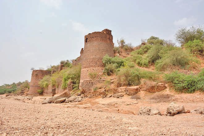 Ahmad Shah king army Highway castle It took 20 days to search