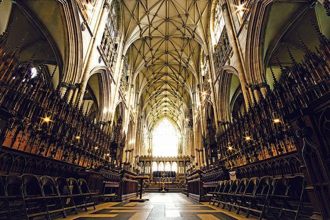 York Minster 2000 વર્ષના ઇતિહાસની ગવાહી