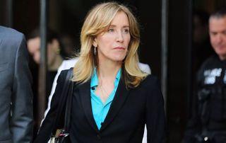 હોલીવૂડ અભિનેત્રી ફેલિસિટી લાંચ કેસમાં દોષી, પુત્રીના એડમિશન માટે લાંચ આપી હતી