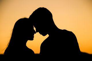 પ્રેમ કે કોઈ આકર્ષણ નહિ પરંતુ આ કારણે 4 માંથી 1 છોકરી છોકરાઓ સાથે ડેટ પર જાય છે