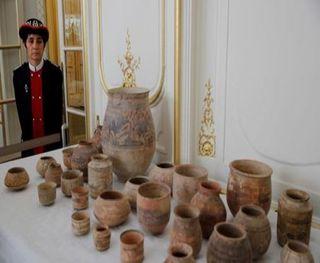 ફ્રાન્સે પાકિસ્તાનને 500 પ્રાચીન કલાકૃતિઓ પરત મોકલી