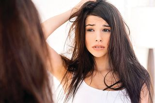 શુષ્ક વાળ માટે કેવું શેમ્પૂ વાપરવું જોઈએ?