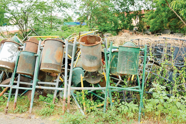 Cleanliness tools bought by Manapa has now become junk