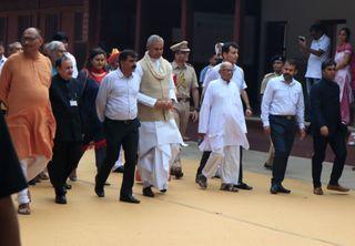 સંસ્કૃતમાં શપથ લેનારા ગુજરાતના નવા રાજ્યપાલ આચાર્ય દેવવ્રતે ગાંધી આશ્રમની મુલાકાત લીધી