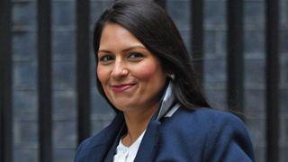 બ્રિટન : પ્રીતિ પટેલ બોરિસ જોનસનની કેબિનેટમાં ભારતીય મૂળના પ્રથમ ગૃહ મંત્રી બન્યા