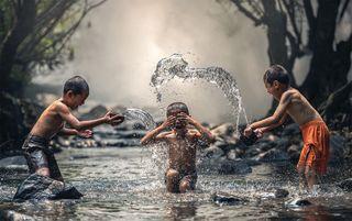 જો પૃથ્વી ઉપર પૂર્ણ આનંદ માણવો હોય તો સતત જાગૃત રહો