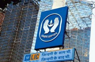LICના ધોરણો સુધારી IPOની યોજના