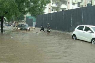 અમદાવાદમાં વરસાદની જોરદાર બેટિંગ, ઓફિસ અવર્સમાં વરસતા ટ્રાફિક જામની પરિસ્થિતિ સર્જાઈ