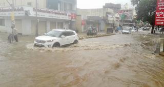 મોરબીમાં ધોધમાર સાડા દસ ઇંચ વરસાદ