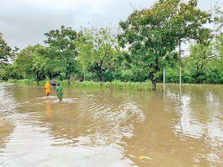 પાણીનો નિકાલ રોકાતાં શાંતિપુરા પાસેના ગોકુલધામનાં 200થી વધુ ઘરોમાં પાણી