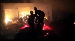 માંડવી : માંડવીના હરિયાલ ખાતે પુઠા બનાવતી ફેક્ટરીમાં ભીષણ આગ