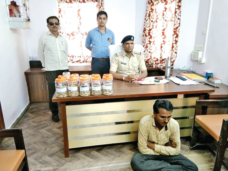 The man with 163kg opium caught from Tharad