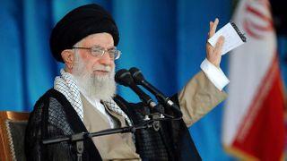 ઇરાનના ટોચના નેતા અયાતુલ્લાહ ખોમૈનીએ કાશ્મીરના મુસ્લિમો અંગે ચિંતા વ્યક્ત કરી