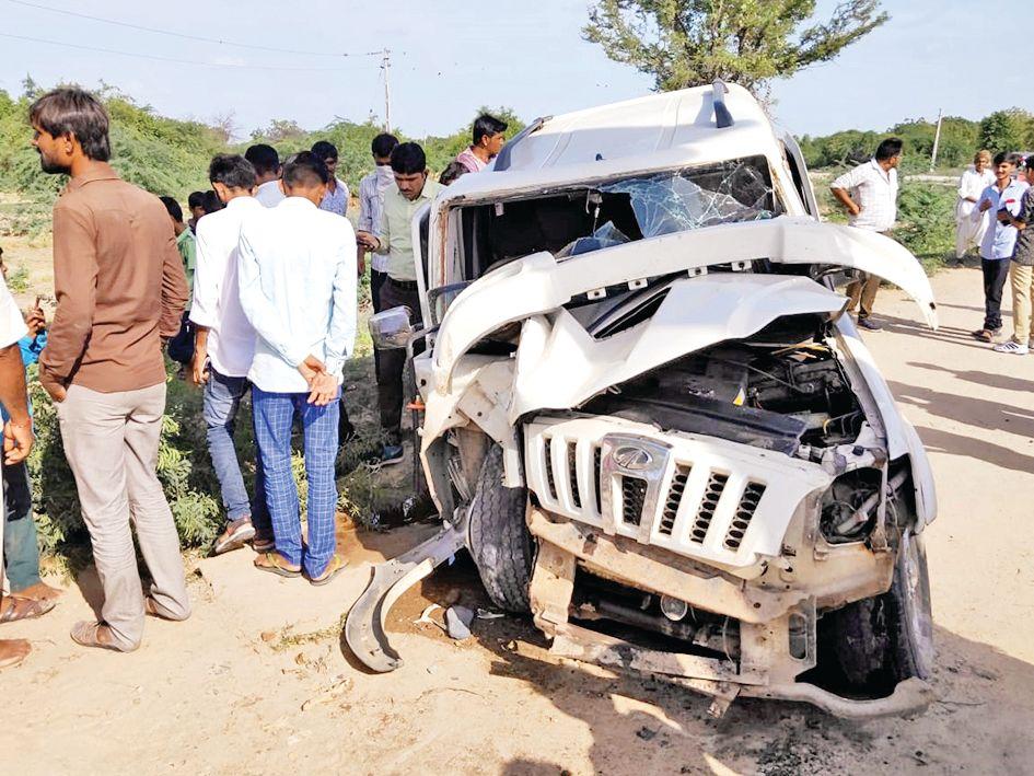 Vav's Pratapapura's Man Gate Accused of Drinking Jeep