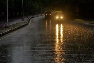 અમદાવાદના કેટલાક વિસ્તારોમાં ધીમીધારે વરસાદ, આગામી બે દિવસમાં ભારે વરસાદની આગાહી