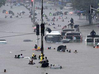 Photos: સાંબેલાધાર વરસાદના કારણે માયાનગરી મુંબઈની રફતાર થંભી