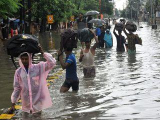 સાંબેલાધાર વરસાદના કારણે જળ બંબાકાર થયેલા બિહારની તસવીરો