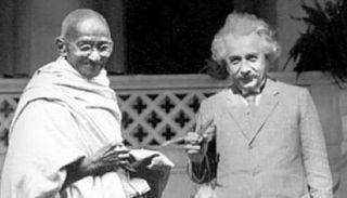 આઈન્સ્ટાઈનથી માંડીને ચાર્લી ચેપલિન સાથેની ગાંધી બાપુની દુર્લભ તસવીરો