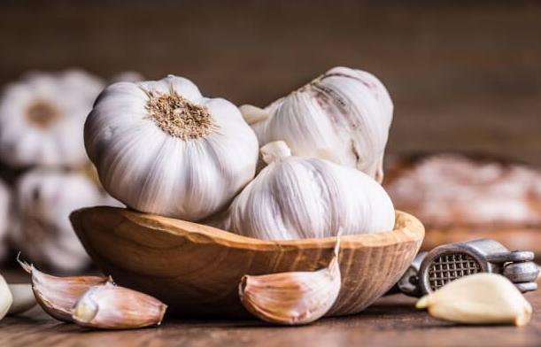 Garlic price rose by rupees 200