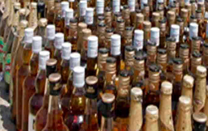 27 bottle of liquor caught from jamnagar