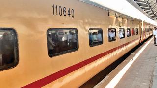 રાજકોટ - દિલ્હી સરાઈ રોહિલ્લા, રાજકોટ - રીવા ટ્રેન હવે નવા રંગરૂપમાં