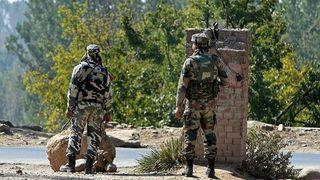 ભારતીય લશ્કરનો PoKમાં આર્ટિલરી ગન્સ વડે હુમલો, પાક.ના આતંકી લોન્ચપેડ નષ્ટ, પાંચ સૈનિક ઠાર