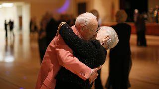 વૈજ્ઞાનિકોએ ખુશખુશાલ લગ્ન જીવન જીવવા માટે આપી ફોર્મ્યુલા, ખુબ ચર્ચા કરો પરંતુ ઝઘડો ન કરો