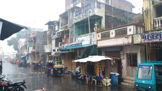 વડોદરા સહિત મધ્યગુજરાતમાં વાતાવરણમાં પલ્ટો : અનેક સ્થળે કમોસમી વરસાદ
