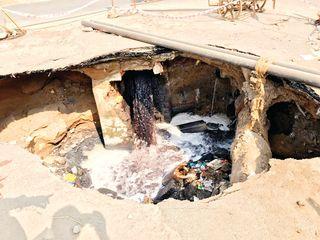 જશોદાનગરનો ભૂવો રિપેર કરવામાં અસહ્ય વિલંબ : કોર્પોરેટરોનું કોઇ સાંભળતું નથી