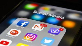 ફેસબૂક,ટ્વીટર અને વોટ્સએપ ચલાવવું પડશે મુશ્કેલ, આવી રહ્યો છે આ કાયદો