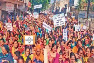 ગાંધીનગર : LRD ભરતીમાં અનામતમાં થયેલા અન્યાય મુદ્દે સરકારે માંગણી સ્વીકારી, સુધારા સાથે નવો પરિપત્ર જાહેર કરશે