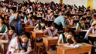 રાજ્યની તમામ સ્કૂલોમાં 2020-21ના શૈક્ષણિક વર્ષથી સમાન પરીક્ષા લેવાનો નિર્ણય