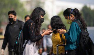 ગાંધીનગર સેક્ટર.29ના દંપત્તિએ વિદેશથી આવીને પરિવારને મળ્યાની વિગતો છૂપાવી, FIR થઈ