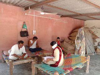 થરાદ તાલુકામાં આરોગ્ય વિભાગની ડોર ટુ ડોર સર્વેની કામગીરી