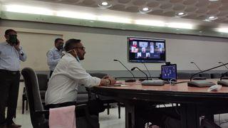 સુરતઃ જુઓ, પહેલીવાર વિડીયો કોન્ફરન્સ દ્વારા પાલિકાની સ્થાયી સમિતિની બેઠક મળી