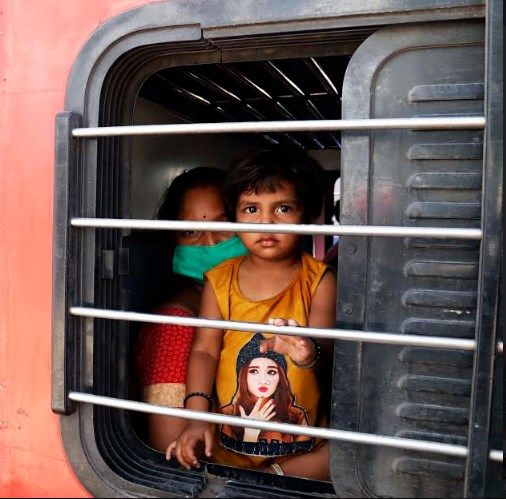 1200 migrant workers returning to home....