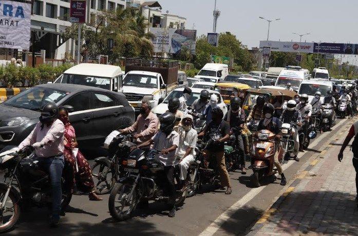 traffic jam on subhash bridge