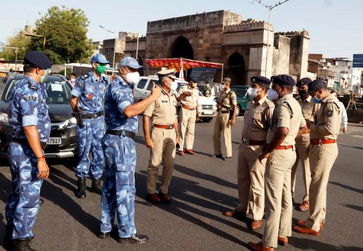 ahmedabad under control of paramilitary forces