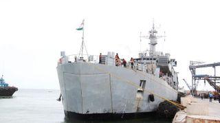 """ઓપરેશન """"સમુદ્ર સેતુ""""ના ભાગરૂપે ગુજરાતના ૨૩૩ નાગરિકોને જહાજ મારફત ઇરાનથી પોરબંદર લાવવામાં આવ્યા"""