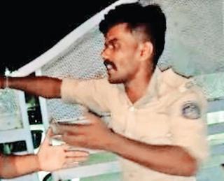 પોલીસમેન એક યુવતી સાથે 'પારકા ઘર'માં ઘૂસ્યો પછી મધરાતે હંગામોઃ દારૂનો નશો કર્યાની કાર્યવાહી