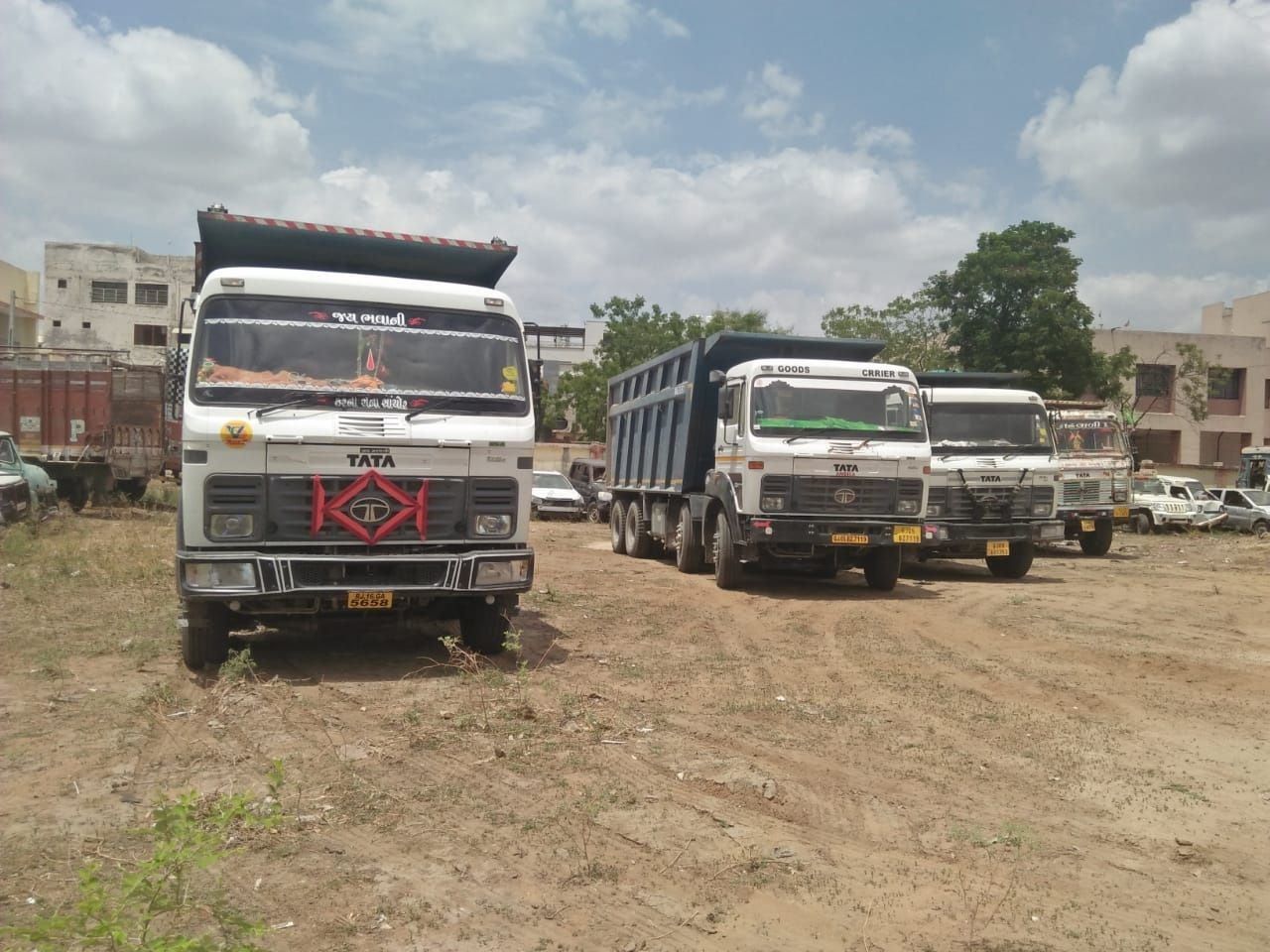 Drivers seize six vehicles for stealing minerals in Dec - Complaint against lease owners