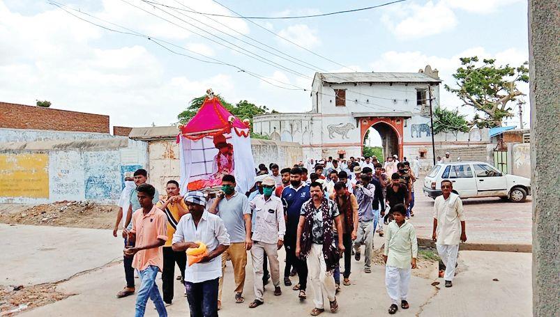 Death of Bharatsinhji, former ruler of Tharad: Palkhiyatra started