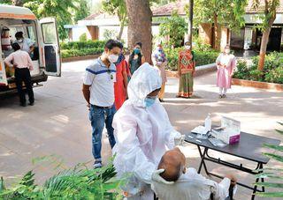 હવે મંદિર-મસ્જિદ જેવા ધાર્મિક સ્થળોએ કોરોના ટેસ્ટ શરૂ : પોઝિટિવ દર્દીઓને સીધા હોસ્પિટલ મોકલાયા