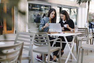અમેરિકા હવે ઓનલાઈન ક્લાસિસ માટે નવા વિદેશી વિદ્યાર્થીઓને વિઝા નહીં આપે