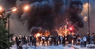 પ્રદર્શન દરમિયાન 'કુરાન'ને આગને હવાલે કરાતા સ્વીડનમાં તોફાનો ફાટી નિકળ્યા