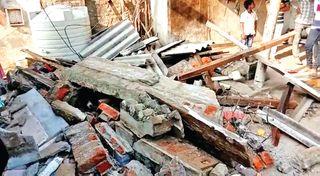 ધાનેરાના સામરવાડા ગામે મકાનની છત તૂટી પડતાં 18 માસના બાળક સહિત 2નાં મોત : 1 ઘાયલ