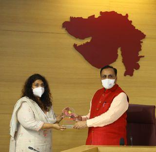 સ્ટેચ્યુ ઓફ યુનિટીને ગુજરાત પ્રવાસન વિકાસ નિગમ લીમીટેડ તરફથી 'બેસ્ટ લેન્ડ સ્કેપ ટુરિસ્ટ પ્લેસ એવોર્ડ'