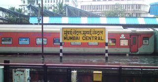 મુંબઇ-દિલ્હી વચ્ચે રેલ અને હવાઇ સેવા બંધ કરી શકે છે ઉદ્ધવ સરકાર